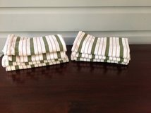 Set of 7 White and Green Williams Sonoma Kitchen Towels in Bolingbrook, Illinois