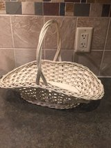 Vintage Harry and David basket in Chicago, Illinois