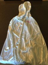 Disney Princess Robe -Size Large in Leesville, Louisiana