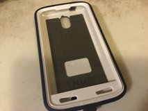 Defender Outter Box w/clip carrier for droid turbo 2 in St. Charles, Illinois