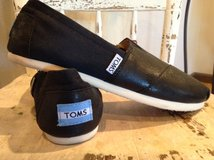 TOMS -  Womens Shoes *Worn once* in Rolla, Missouri