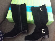 Hot in Hollywood Leather Boots Size 8M in Chicago, Illinois