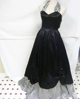 Halloween Costume Witch Vintage Jessica McClintok 5 Small XS Gunne Sax Bar Wench Black White Str... in Kingwood, Texas