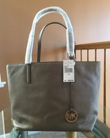 Michael Kors Large Leather Tote in Bolingbrook, Illinois