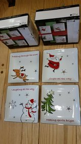 Christmas Entertainment Plates (8) in Quantico, Virginia