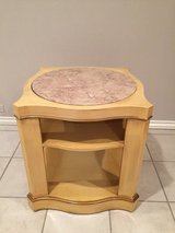 Table Marble Heirloom Weiman in Bolingbrook, Illinois