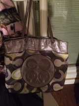 Coach purse in Fort Leonard Wood, Missouri