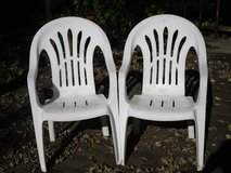 2 plastic lawn chairs in Naperville, Illinois