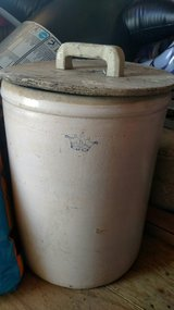 15 gallon pickle crock with blue lettering/ NO CRACKS/ has lid in Clarksville, Tennessee