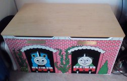 Thomas the Train Wooden Toybox Toy Box Chest. Very Nice in Orland Park, Illinois