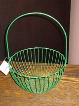 NWT green glitter wire basket in St. Charles, Illinois