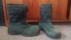 Womens Shoes - Lands' End Boots - Sz 6/Girls Sz 4 in Chicago, Illinois
