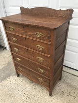 Solid Oak 5 Drawer Chest W/Splashback in Cherry Point, North Carolina