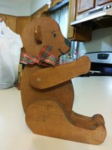 Wooden Christmas bear in Naperville, Illinois