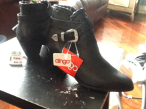 Blk ladies dress boots by dingo brand new in Lockport, Illinois