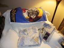 Star War twin sheets, pillowcase and bed ruffle in Schaumburg, Illinois