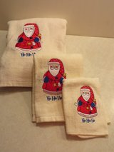 NICE APPLIQUE EMBROIDERED SANTA TOWEL SET - NEW! in Plainfield, Illinois