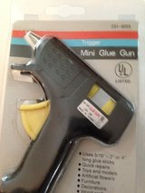 Mini Glue Gun in Bolingbrook, Illinois