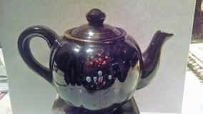 Collectible Tea Pot in Cleveland, Ohio
