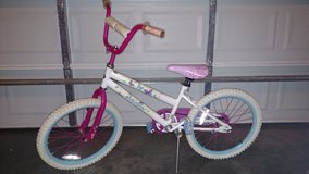 "Huffy 50513 20"" Huffy Sea Star Girl's Bike Pearl White in Fort Campbell, Kentucky"