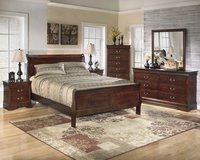 New king size 4 piece Cherry sleigh bed set in Cherry Point, North Carolina