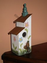 "14"" bird house in Bolingbrook, Illinois"