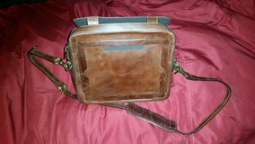 Faetell Fashions USA Leather I Pad Shoulder Case in Aurora, Illinois