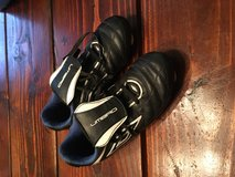 Youth umbro soccer cleats size 3 in Camp Lejeune, North Carolina