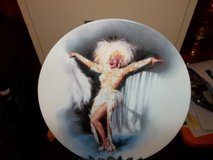 Marlyn Monroe collectible plate in Fort Campbell, Kentucky