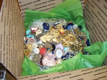 2 large priority boxes full of vintage to now  jewelry 15 lbs in 1 box 13 plus in the second in Alamogordo, New Mexico