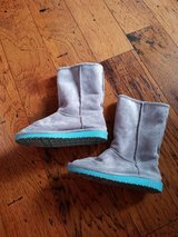Old Navy Boots, Girls Size 13 in Fort Campbell, Kentucky