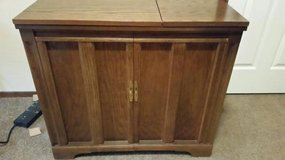 Sewing machine cabinet Electric Lift in Cleveland, Texas