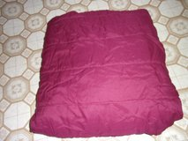 QUEEN SIZE BURGANDY BEDSPREAD in Fort Hood, Texas