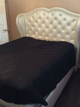 Beautiful Queen Bed & Nightstand in Spring, Texas