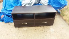 "47"" tv stand in Fort Riley, Kansas"