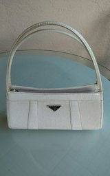 WHITE CLUTCH PURSE, SHOULDER PURSE in Chicago, Illinois