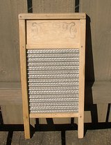 VTG BUSY BEE No 16 LINGERIE WOOD & METAL WASHBOARD in St. Charles, Illinois