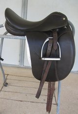 Collegiate Dressage Saddle, 17 1/2 with fittings and pad in Conroe, Texas