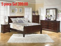 New 5 piece cherry queen  bedroom  set in Camp Lejeune, North Carolina