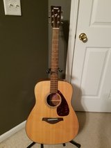 Yamaha FG700S Acoustic Guitar in Naperville, Illinois