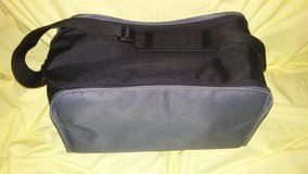 Zip up tote in Fort Campbell, Kentucky
