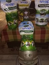 Scott's Snap Pac spreader with 4 bags of lawn care in Yucca Valley, California
