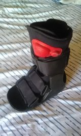 Youth Fracture Boot Sz.XS in Alamogordo, New Mexico
