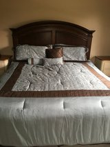 King Comforter set in Chicago, Illinois