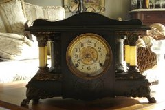 Beautiful Seth Thomas Mantle Clock in Travis AFB, California