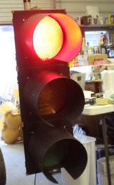 LARGE 12 INCH LED TRAFFIC LIGHT. FULL SIZE AND AUTHENTIC READ in Moody AFB, Georgia