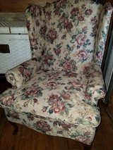 Broyhill / Floral Wing Back Chair in Fort Campbell, Kentucky