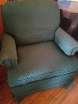 Broyhill / Green / Occasional Chair in Fort Campbell, Kentucky