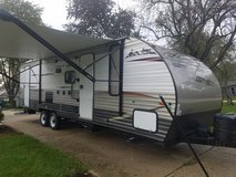 2014 Grey Wolf 26dbh Travel Trailer 31 ft in Joliet, Illinois
