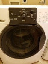 Stackable Kenmore elite HE3 Front Load Washer &Gas Dryer in Conroe, Texas